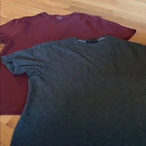 2 Banana Republic Tshirts Men's Medium